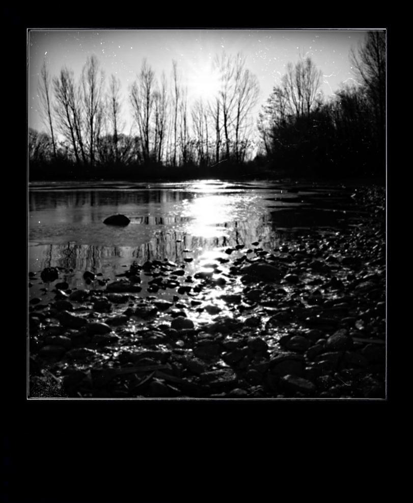 En noir et blanc by lucienwittwer on deviantart Bureau blanc et noir