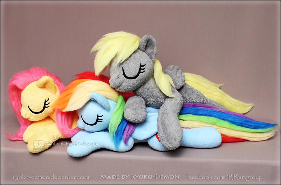 Sleeping trio