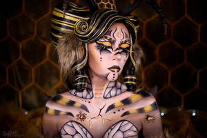 Mother Bee by Ryoko-demon