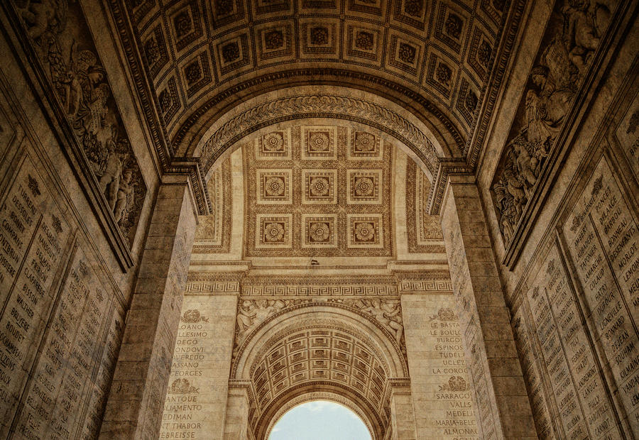 arc de triomphe detail 02 reprocessed by giardqatar on