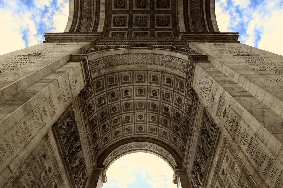 arc de triomphe detail 04 under the arc by giardqatar