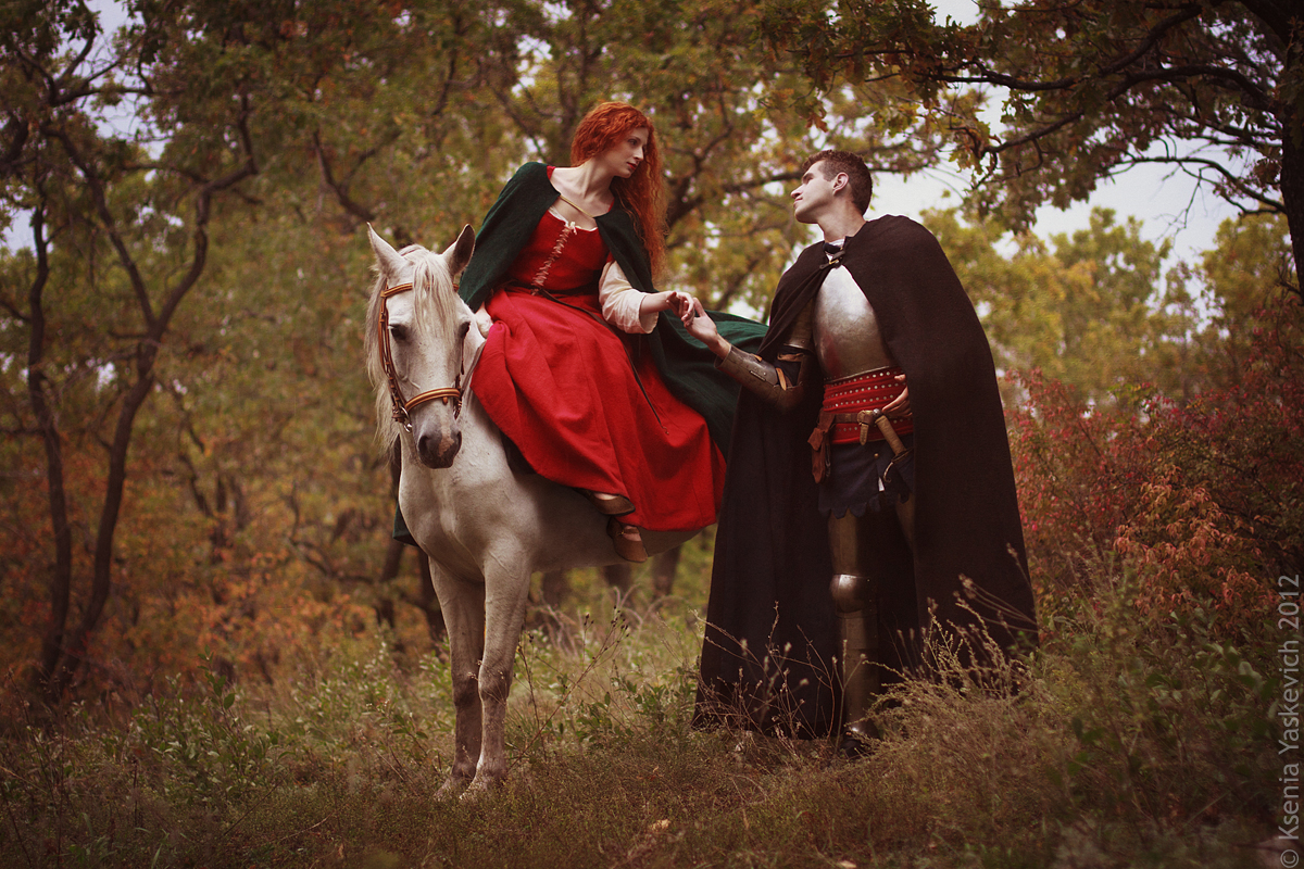 essay on la belle dame sans merci La belle dame sans merci is a ballad, a medieval genre revived by the romantic poets keats uses the so-called ballad stanza, a quatrain in show more.