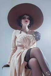 Lady Alcina Dimitrescu Cosplay