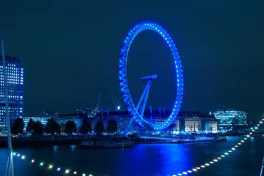 Eyeing London by praCze