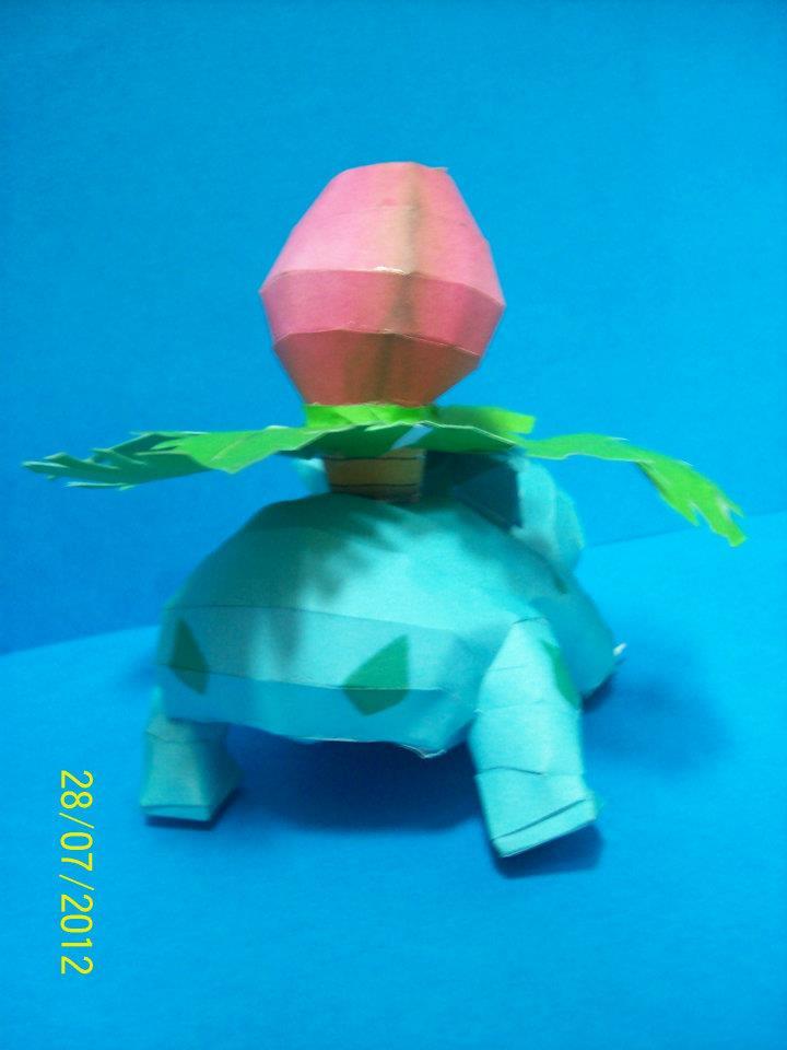 ivysaur papercraft by rafex17