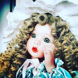 Bo-peep crying doll (still life photography)