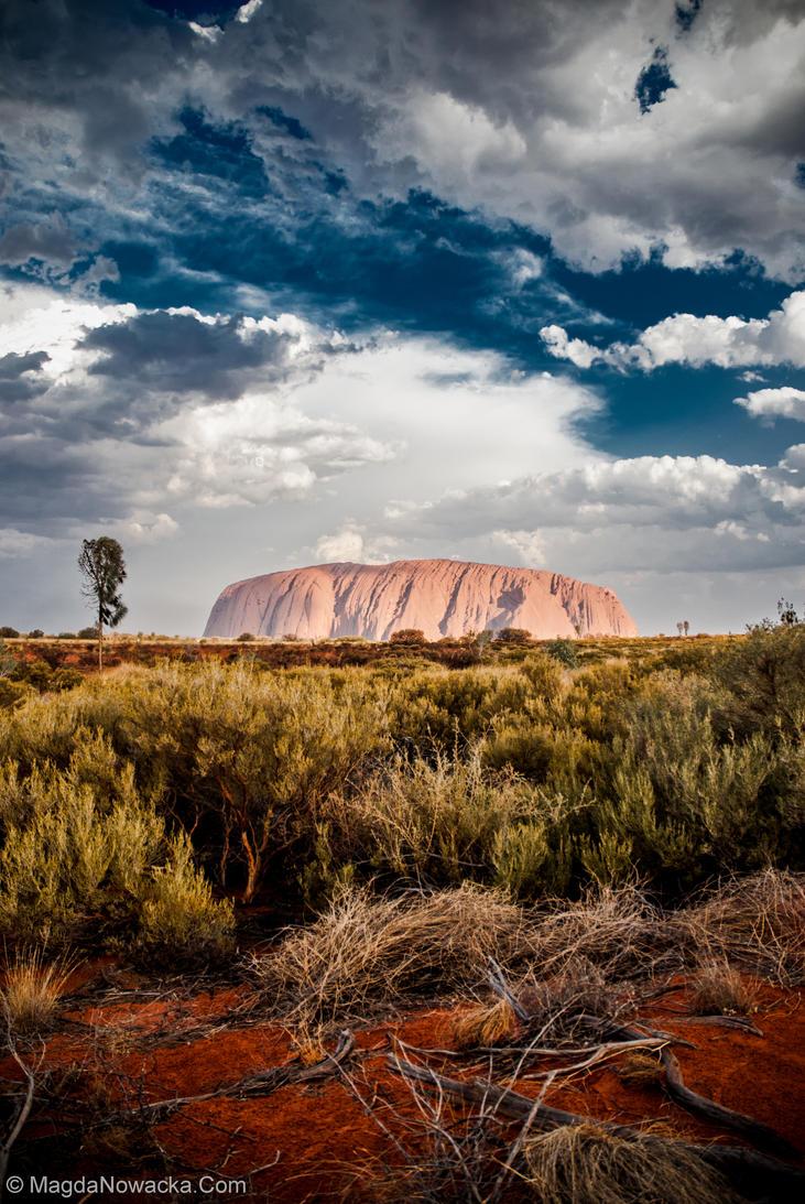 Uluru II by schelly