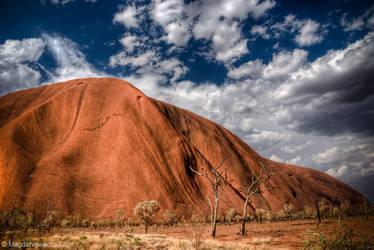 Uluru III by schelly