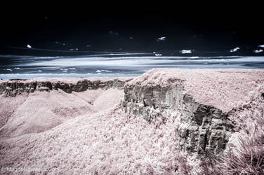 Pink Blue Mountains by schelly