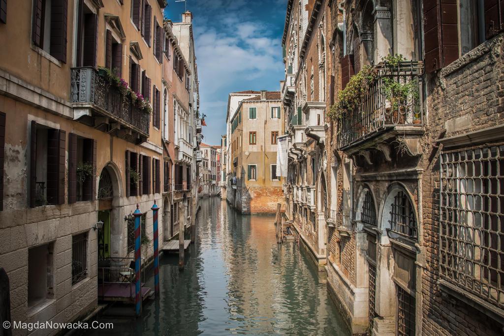 Venetian Street by schelly