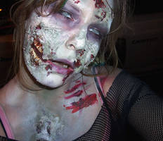 Zombie makeup by Chebanse
