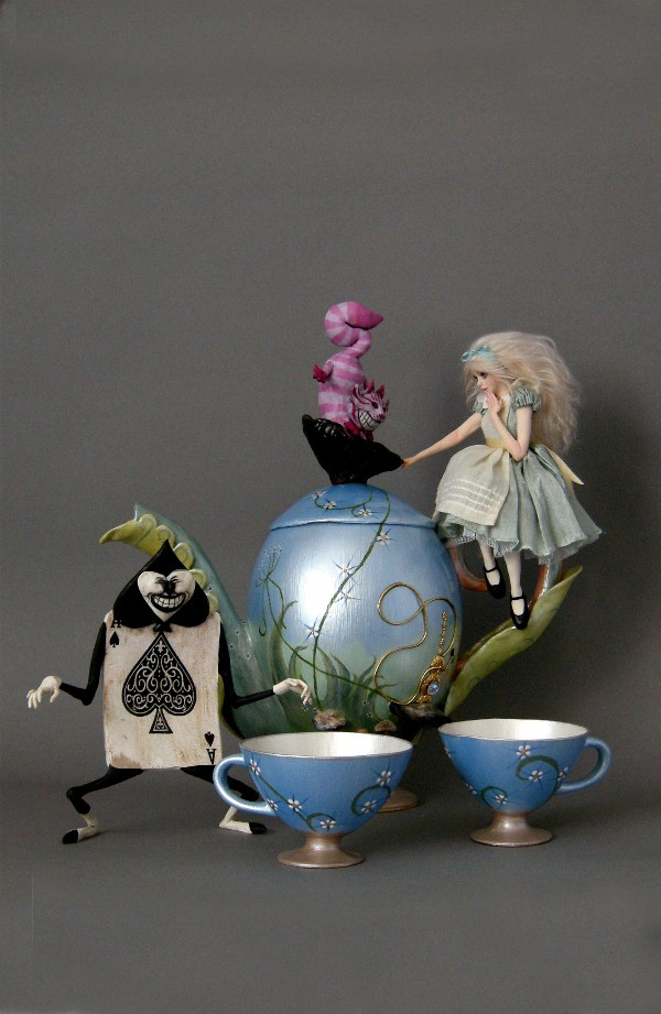 ALICE IN WONDERLAND TEA SET 1 by wingdthing