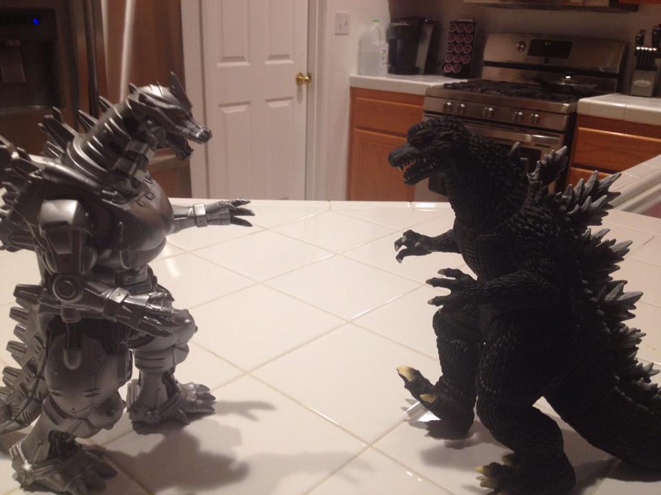 Godzilla Against Kiryu figures by StrongestInUniverse