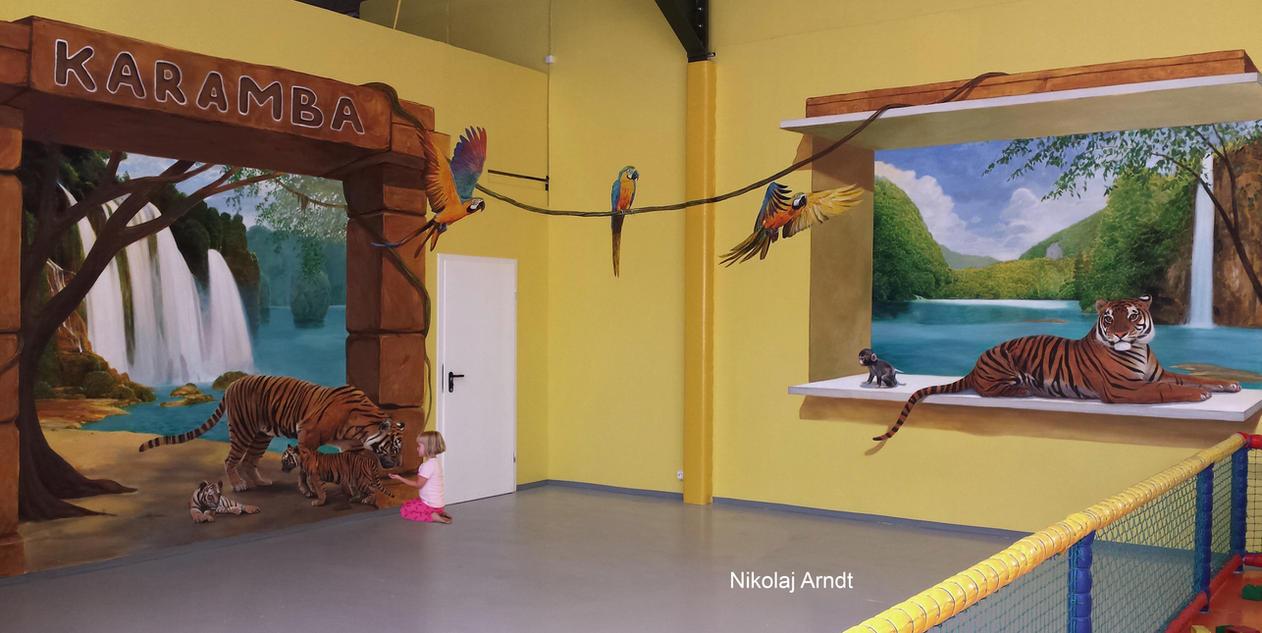 Tiger family by Nikolaj-Arndt