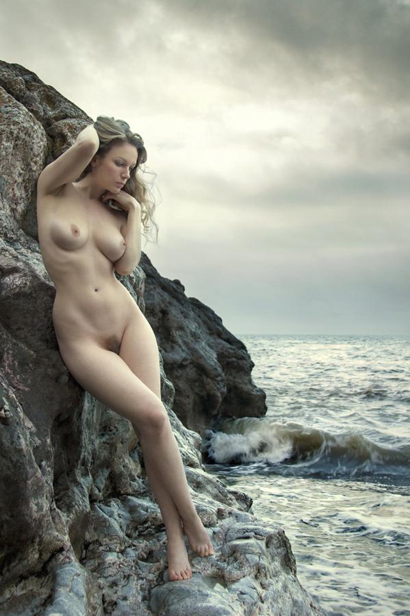 Девушки и море - 13 (эротическая фотоподборка)