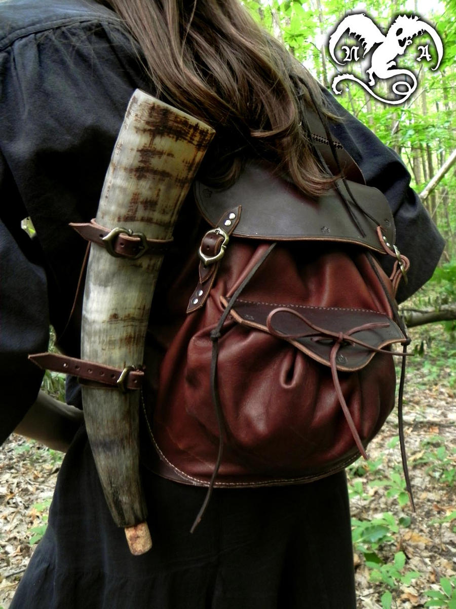 Adventurer bag 2 by Noir-Azur