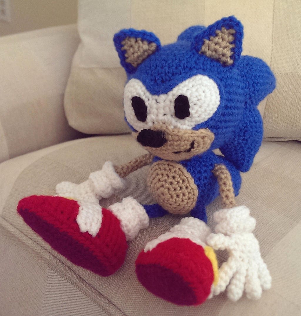 Crocheted Sonic the Hedgehog by Yodaman921 on DeviantArt