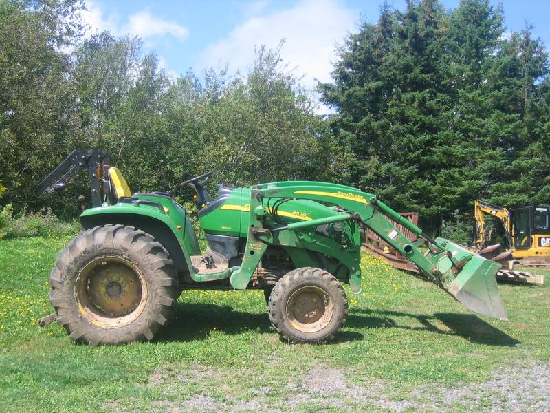 Tractor 3 by Tari-Stock