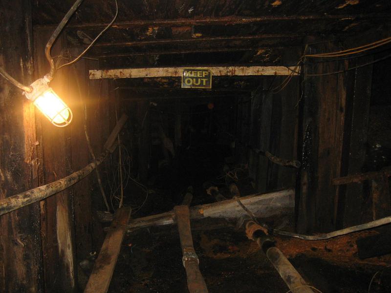 mine shaft wallpaper - photo #4