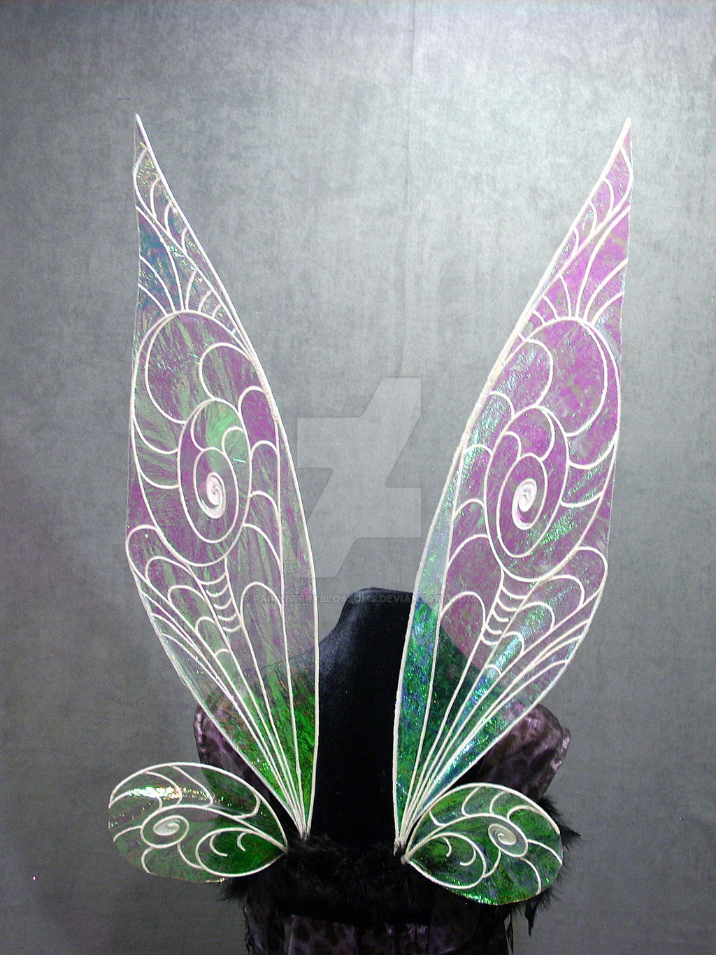 how to put on fairy wings