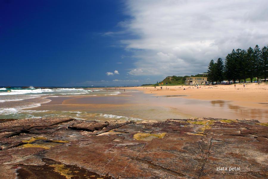 beutiful ocean beach by Zlata-Petal