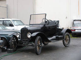 Ford Model T Runabout in Sacramento by rlkitterman