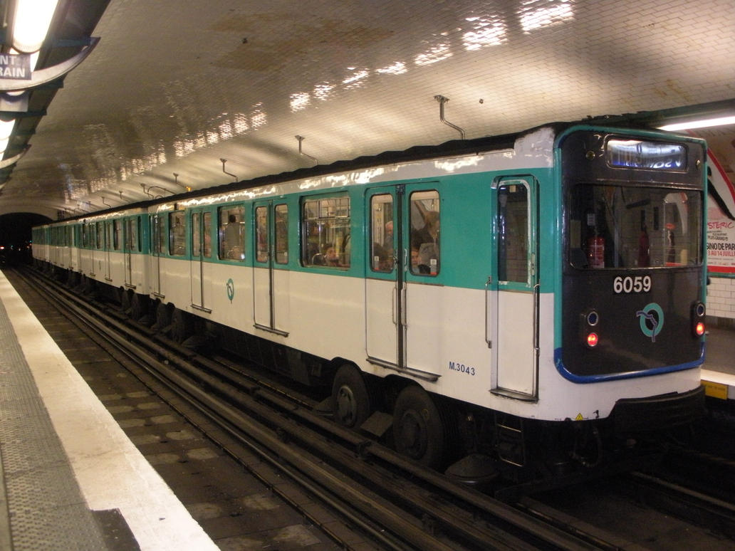 how to get to paris by train