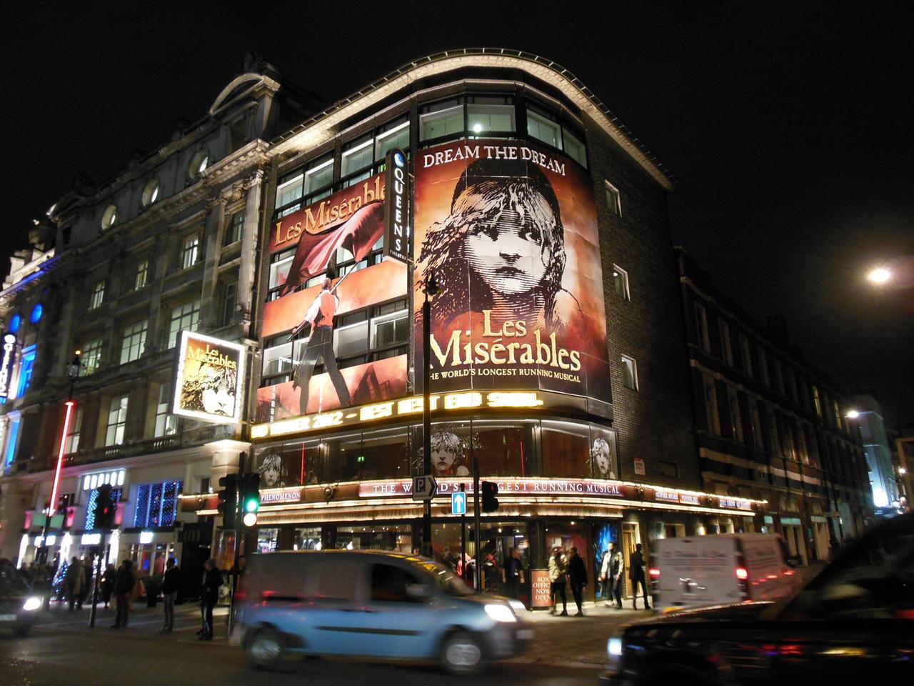 les miserables theatre: