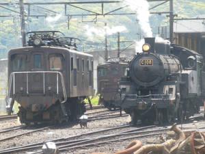 Oigawa E102 and C10.8 and Background ED501