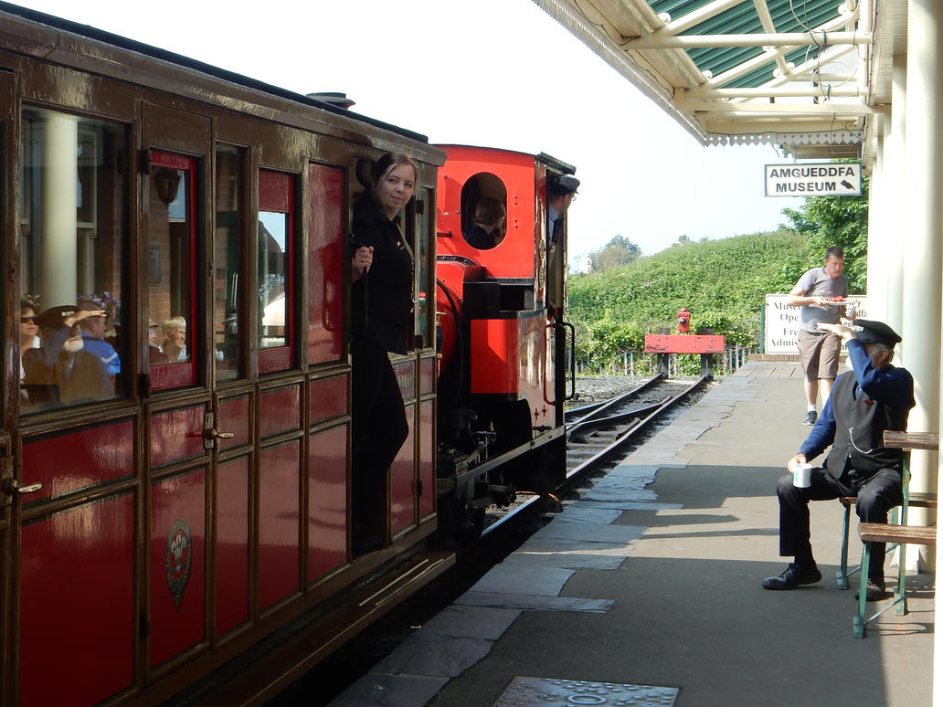 Duncan's Train and Crew at Tywyn Wharf Station by rlkitterman