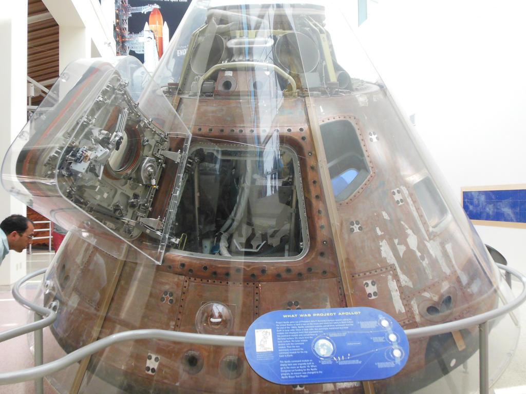 Apollo CSM-111 Capsule by rlkitterman