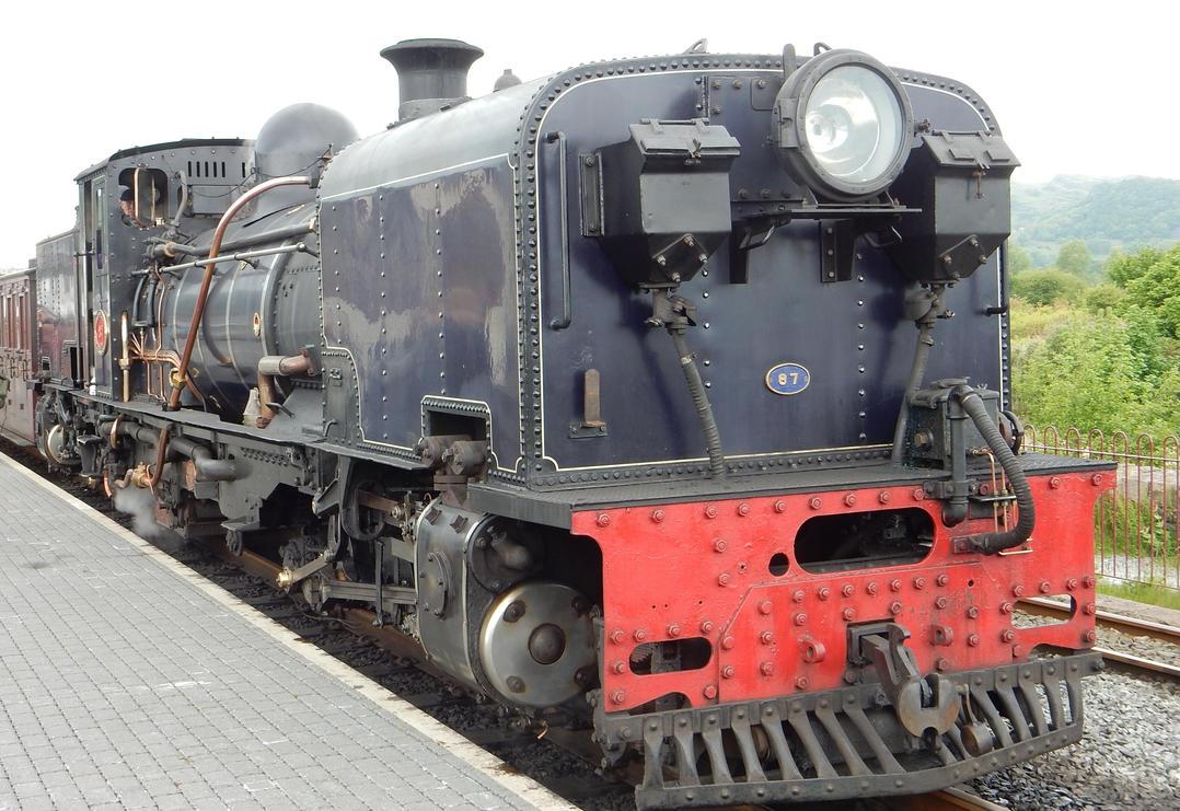 WHR Garratt 87 Stopped at Porthmadog by rlkitterman