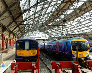 NR 319.367 and FTPX 185.105 at Liverpool Lime St