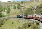 Earl of M's Down Train on Curve near Tanygrisiau