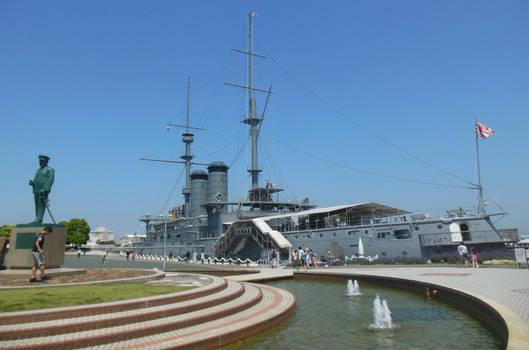 Admiral Togo Memorial and HIJMS Mikasa