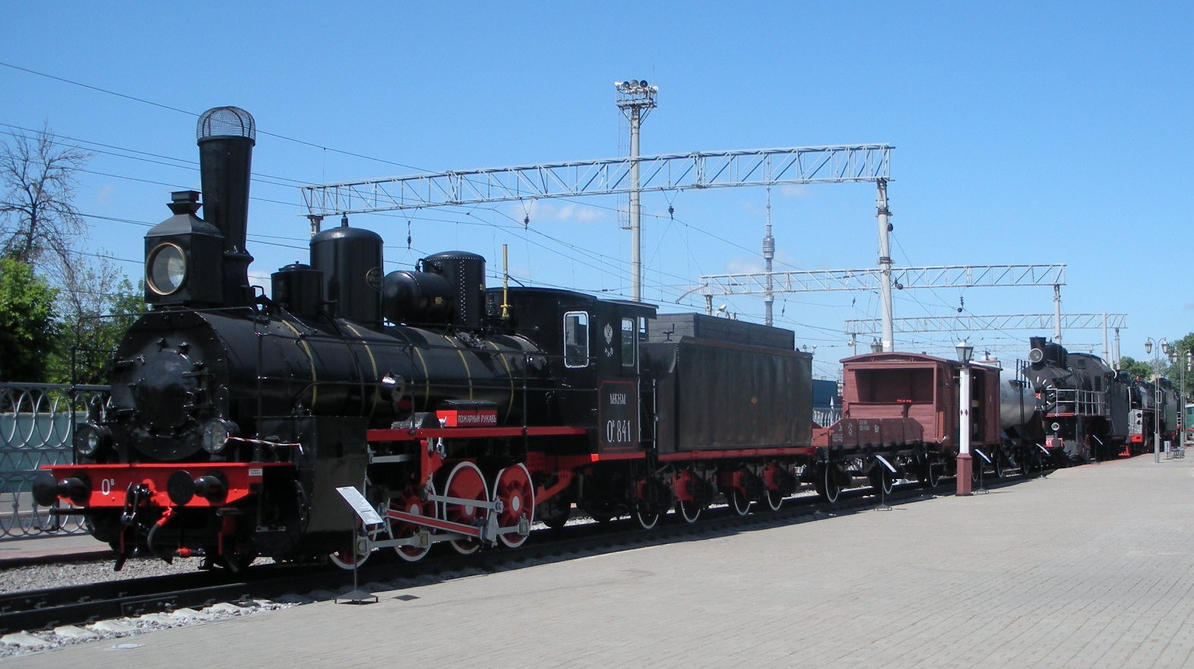 MKNiM Ov-841's Train at Moscow Rly Museum Entrance by rlkitterman