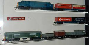 BR D6830 Intermodal and D5713 Goods Trains