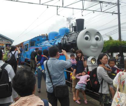 Thomas the Tank Engine and Fans at Shin-Kanaya