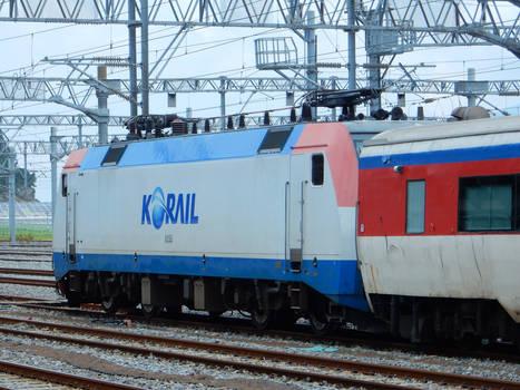 Korail 8255 + Mugunghwa at Yeosu DSCN7708
