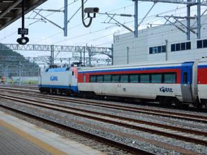 Korail 8255 and Empty Mugunghwa at Yeosu DSCN7707