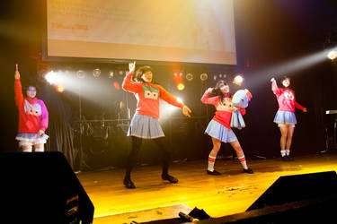 Mitusme Temo Season 3 at their first live event by Takisse