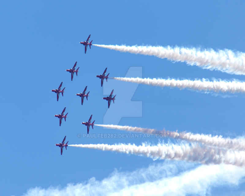 Red Arrows by paulfeb282