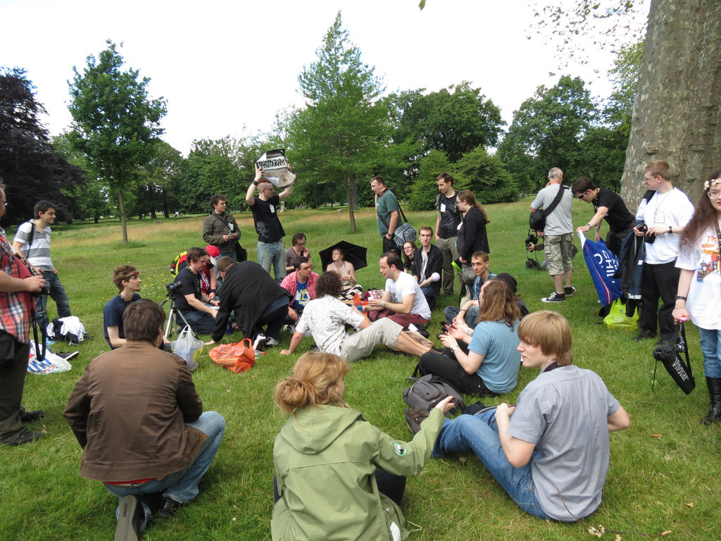 DeviantMEET london 2012 by DeathNoteChild