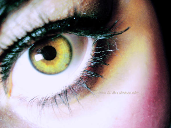 eyes that lie by OurLady-OfSorrows