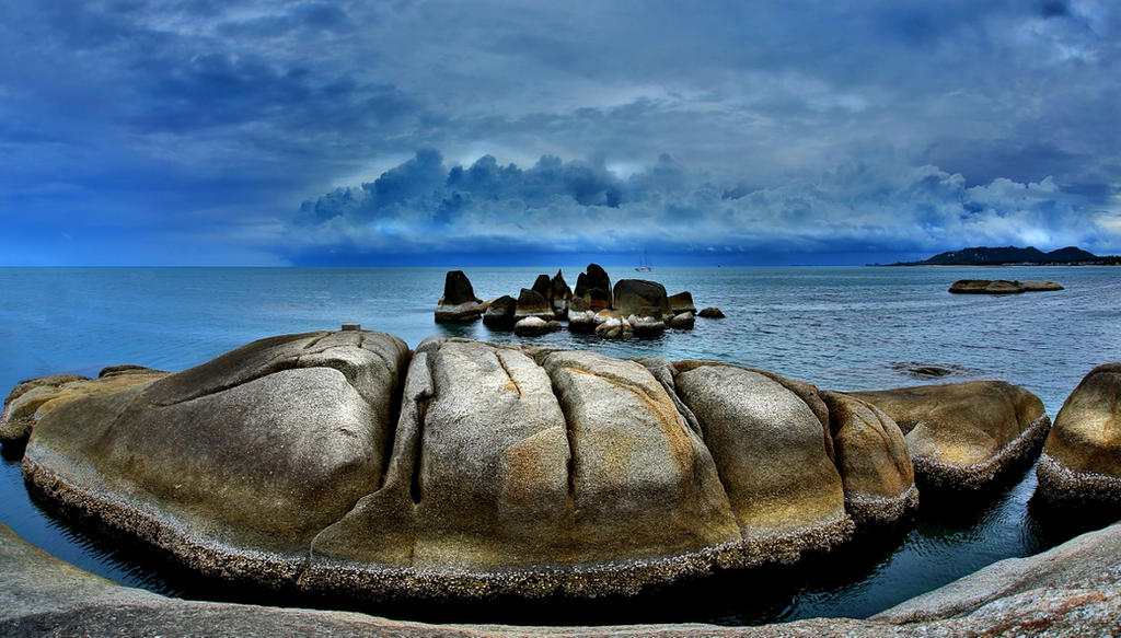 Between a rock and a wet place... by MAK-Photographi