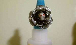 Skull/Flower ring by Batalha-Enterprises