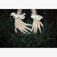 little lace hands by bailey--elizabeth