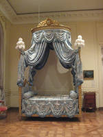 Royal bed by minystock