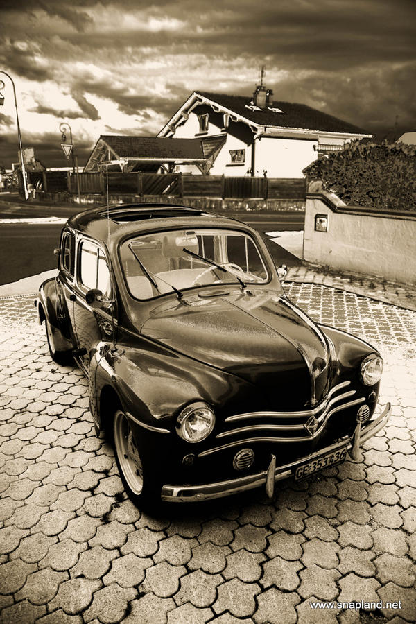 Renault 4cv by snapboy