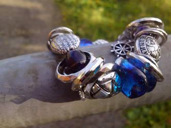 Bracelet by KoseMoseGlitterKua